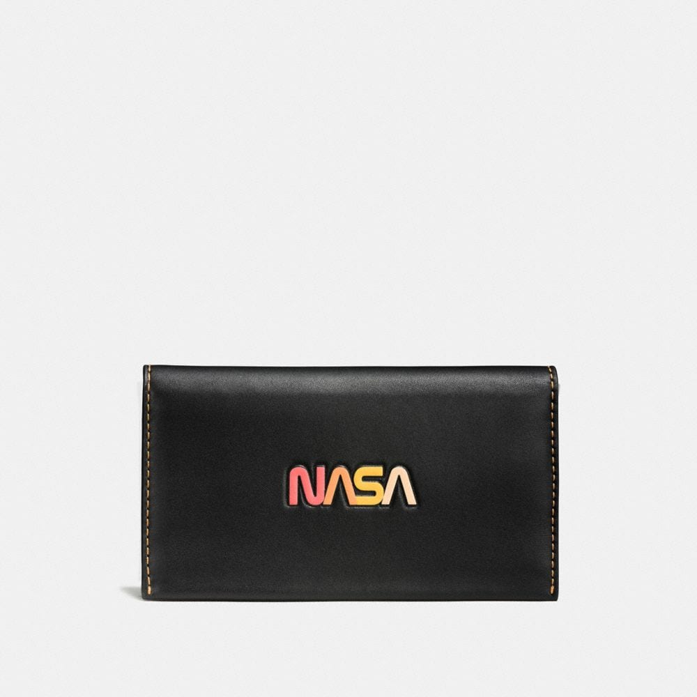 PHONE WALLET IN GLOVETANNED LEATHER WITH EMBOSSED SPACE