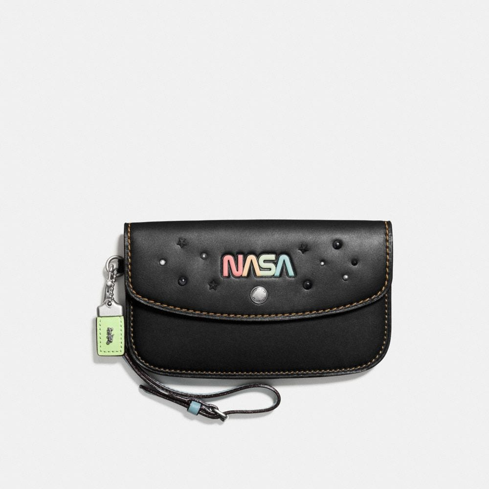 CLUTCH IN GLOVETANNED LEATHER WITH SPACE EMBELLISHMENT