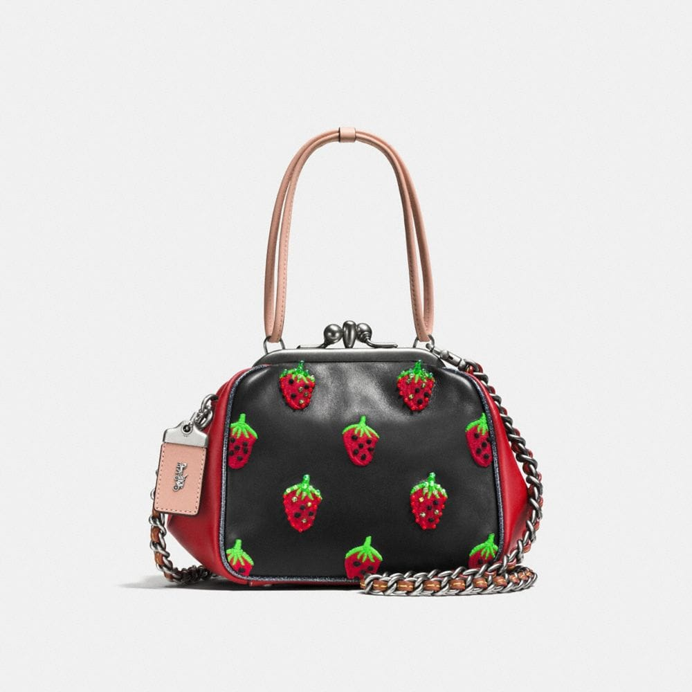 KISSLOCK FRAME BAG IN VERY NATURAL GLOVETANNED LEATHER WITH STRAWBERRY EMBROIDERY