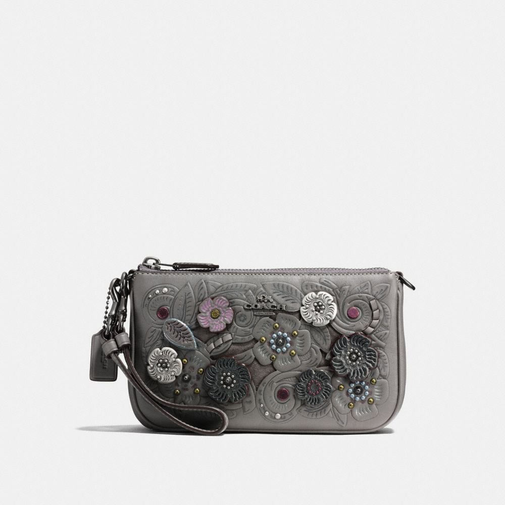 NOLITA WRISTLET 19 WITH METAL TEA ROSE TOOLING