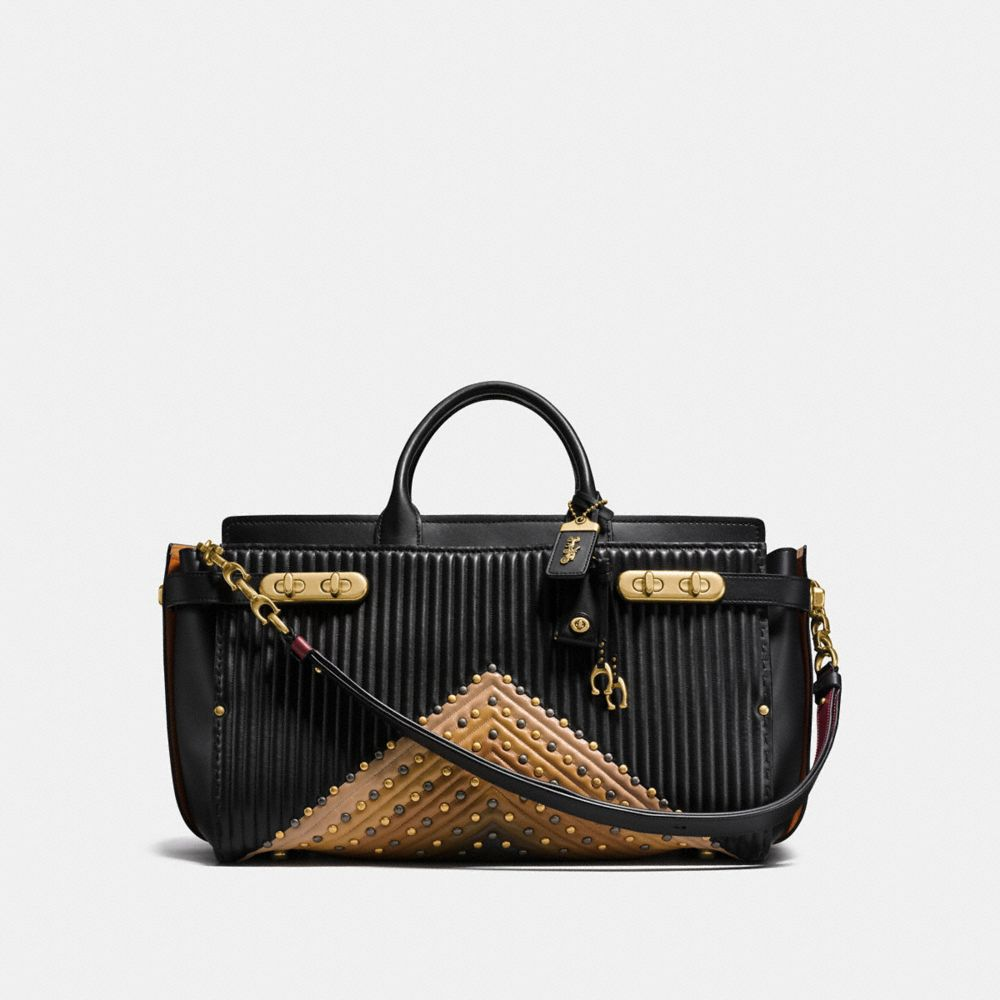COACH DOUBLE SWAGGER 43 AVEC MATELASSAGE EN COLOR BLOCK ET CLOUS