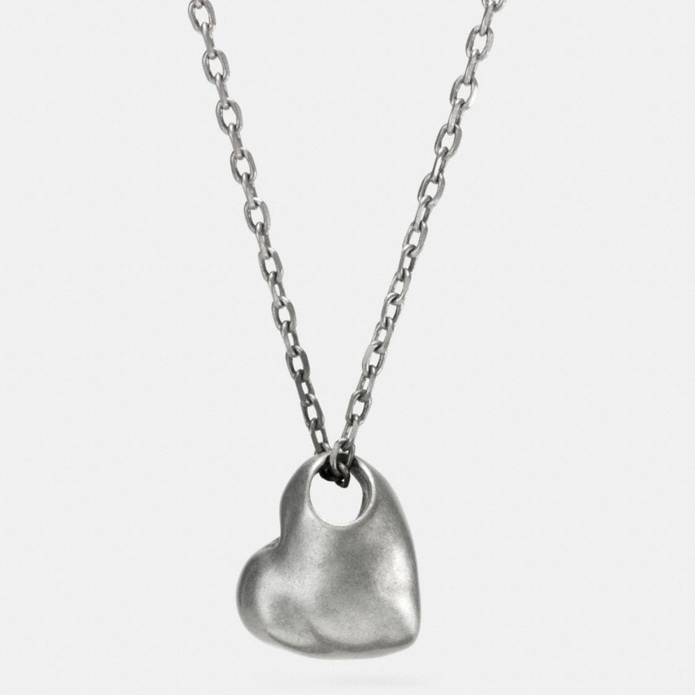 SCULPTED HEART PENDANT NECKLACE