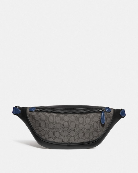 LEAGUE BELT BAG IN SIGNATURE JACQUARD