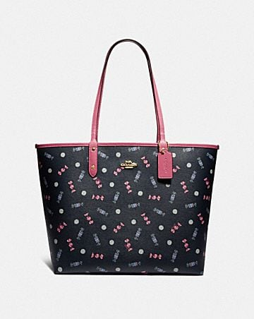 REVERSIBLE CITY TOTE WITH SCATTERED CANDY PRINT