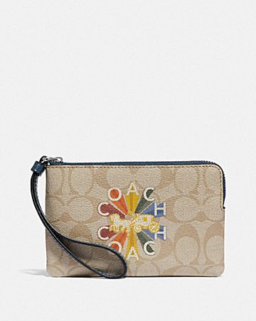 CORNER ZIP WRISTLET IN SIGNATURE CANVAS WITH COACH RADIAL RAINBOW