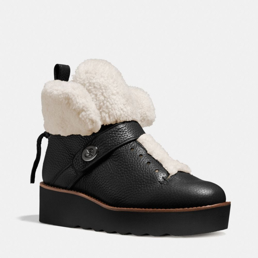 URBAN HIKER SHEARLING